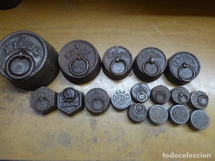 17 PESAS DE HIERRO EN BUEN ESTADO (Antigüedades - Técnicas - Medidas de Peso - Ponderales Antiguos)