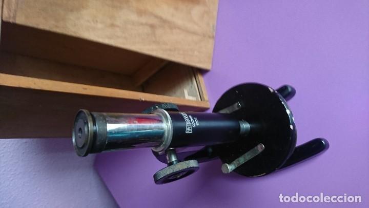 Antigüedades: ANTIGUO MICROSCOPIO DE ESTUDIOS RUSO - Foto 2 - 115323027