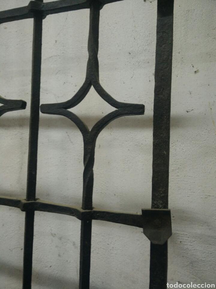 Antigüedades: Antigua reja de forja - Foto 2 - 115368695