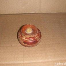 Antigüedades: MATERIAL ELECTRICO. ANTIGUO PULSADOR TIMBRE DE MADERA.. Lote 115400723