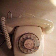Teléfonos: TELÉFONO ANTIGUO AÑOS 60 O 70. Lote 115520231