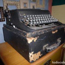 Antigüedades: MAQUINA DE ESCRIBIR OLIVETTI FABRICADA EN 1946 CON MALETIN ORIGINAL Y FUNCIONANDO. . Lote 115684935