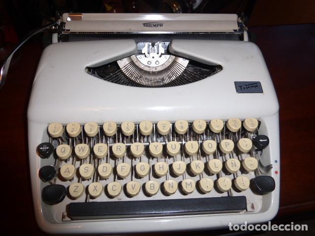 MAQUINA DE ESCRIBIR TRIUMP MODELO TIPPA, EN BUEN ESTADO. (Antigüedades - Técnicas - Máquinas de Escribir Antiguas - Triumph)