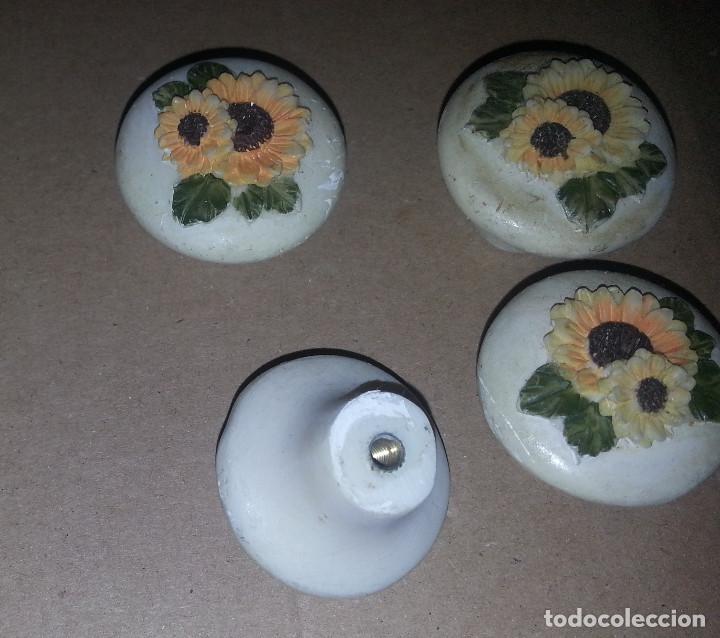 Antigüedades: 4 TIRADORES DE RESINA FLORES - Foto 4 - 115998911