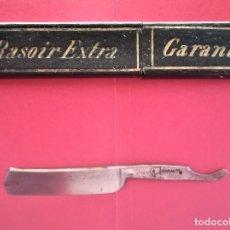 Antigüedades: HOJA NAVAJA DE AFEITAR Y CAJA ORIGINAL,GARANTI DE SOLINGEN ALEMANIA? ITALIA,AGUILA GRABADA,MUY RARA. Lote 116120195