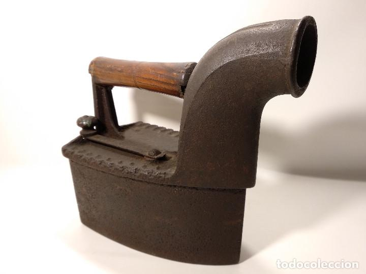 ANTIGUA PLANCHA DE CARBÓN DE CHIMENEA (Antigüedades - Técnicas - Planchas Antiguas - Carbón)