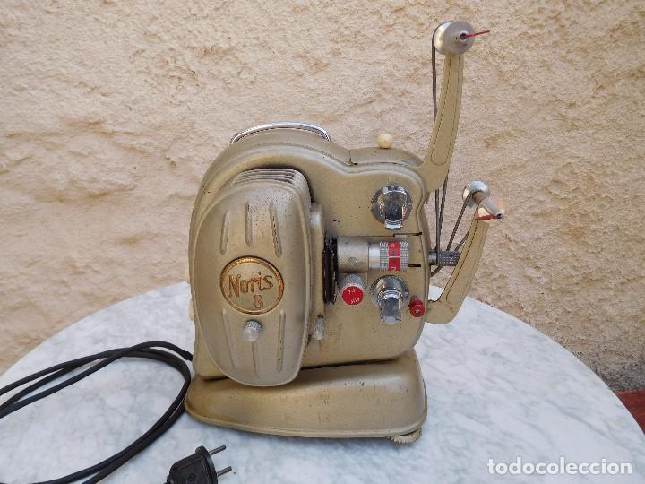 PROYECTOR ANTIGUO AÑOS 60 SUPER 8 NORIS (Antigüedades - Técnicas - Aparatos de Cine Antiguo - Cámaras de Super 8 mm Antiguas)
