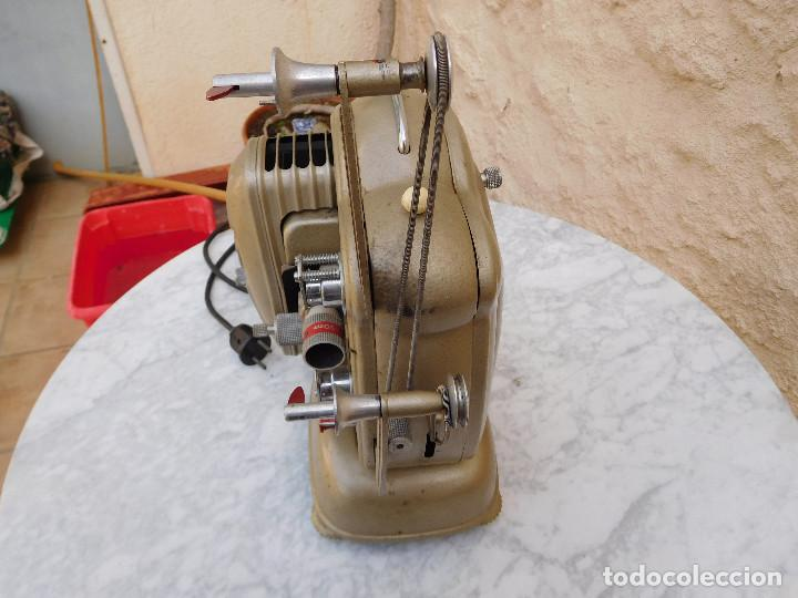 Antigüedades: Proyector antiguo años 60 super 8 Noris - Foto 4 - 116276795