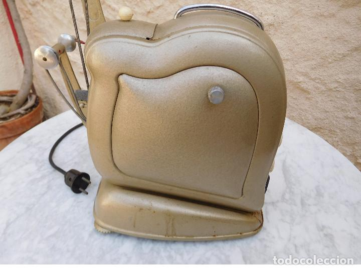 Antigüedades: Proyector antiguo años 60 super 8 Noris - Foto 7 - 116276795