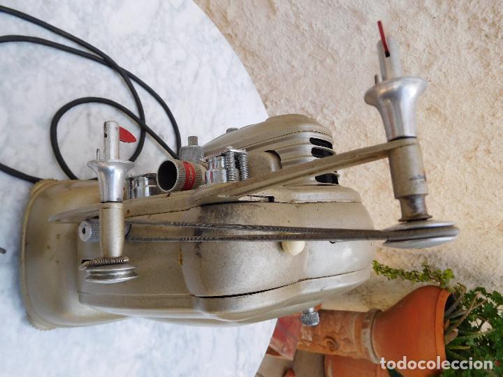 Antigüedades: Proyector antiguo años 60 super 8 Noris - Foto 10 - 116276795