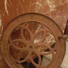 Antigüedades: RECAMBIO PARA MOLINILLO GRAN RUEDA PERTENECIENTE A UN GRAN MOLINILLO DE CAFE. Lote 116360324