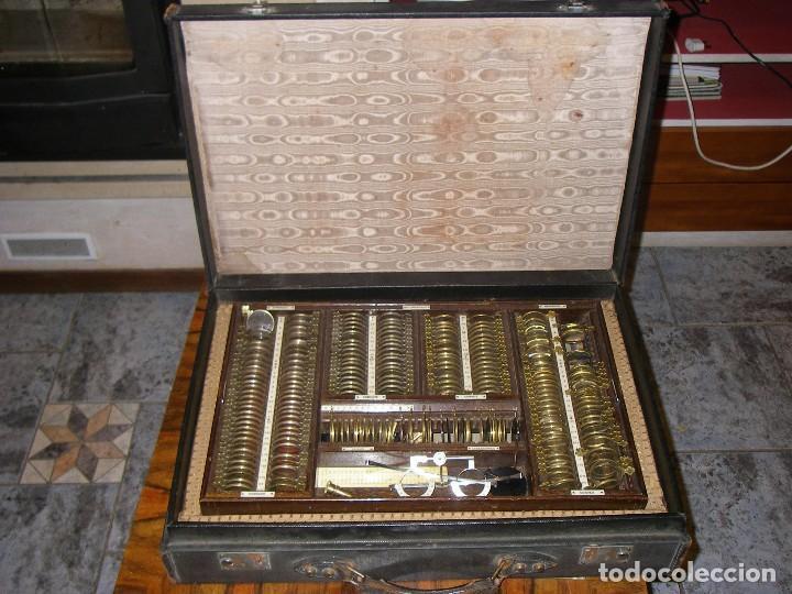 Antigüedades: Maletín con instrumentos de graduación y juegos de lentes de Óptica, siglo XIX - Foto 2 - 116391267
