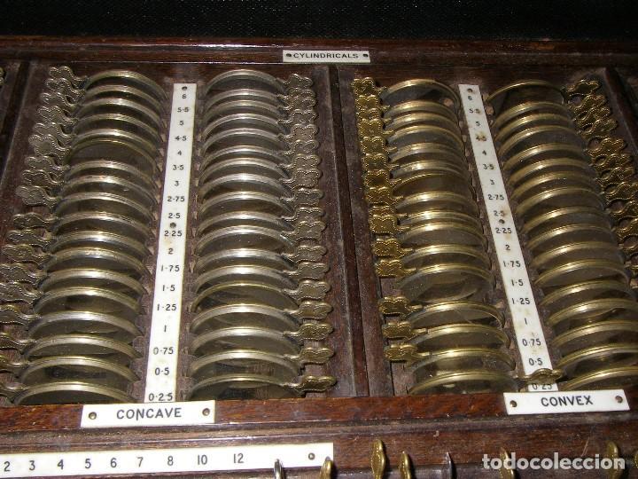 Antigüedades: Maletín con instrumentos de graduación y juegos de lentes de Óptica, siglo XIX - Foto 4 - 116391267