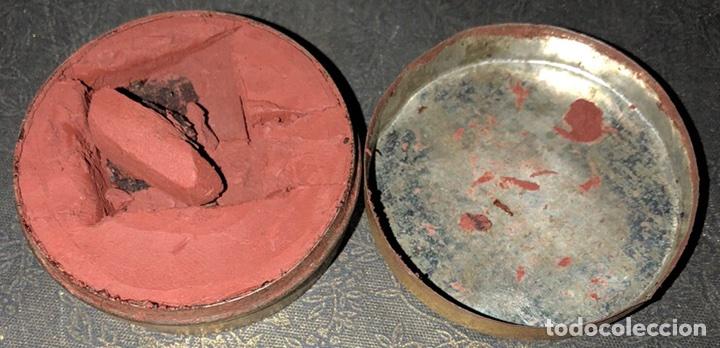 Antigüedades: Crema para el afilado de la cuchilla,o navaja de afeitar Emery Composition - Foto 2 - 116475200
