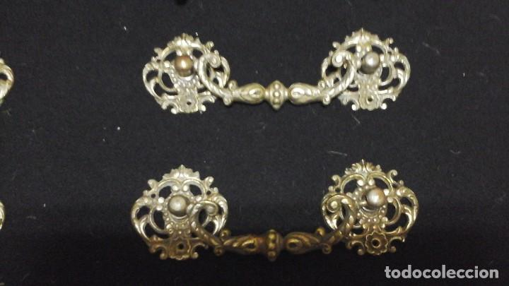 Antigüedades: Conjunto completo de tiradores en bronce .Grandes . Circa 1910-1920 - Foto 2 - 116493115