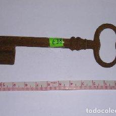 Antigüedades: ANTIGUA LLAVE DE HIERRO FORJADO. Lote 116531999