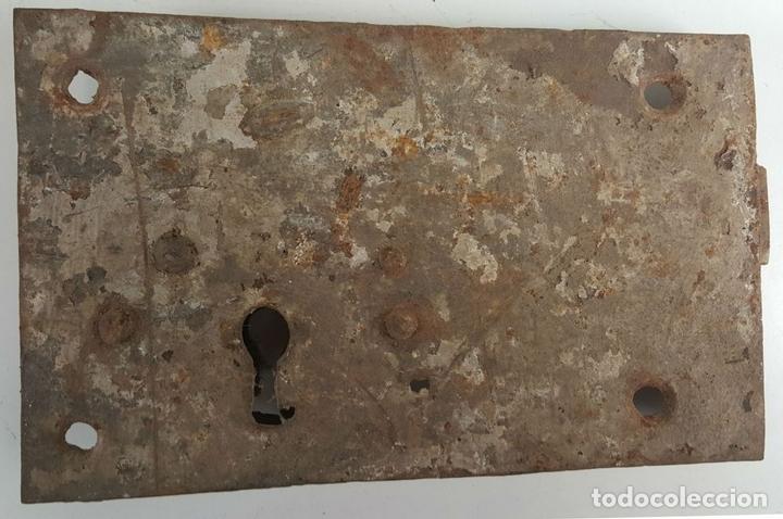 Antigüedades: CONJUNTO DE CERRADURAS, MANETA Y ARGOLLA. HIERRO FORJADO. SIGLO XIX. - Foto 5 - 116599175