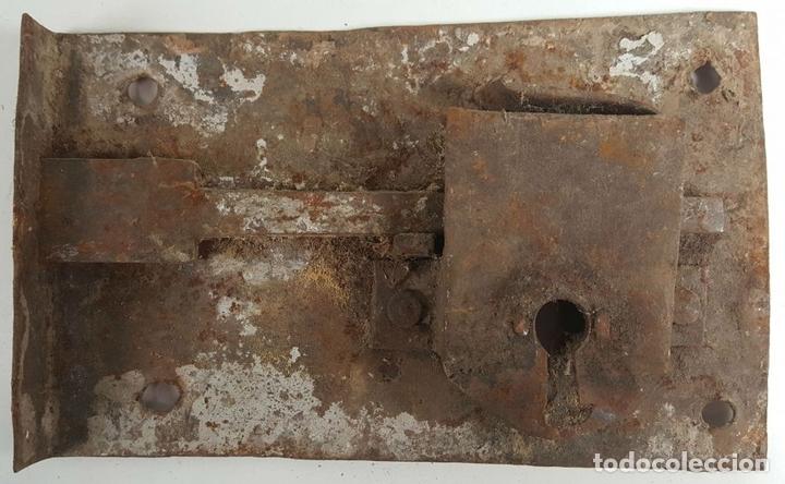 Antigüedades: CONJUNTO DE CERRADURAS, MANETA Y ARGOLLA. HIERRO FORJADO. SIGLO XIX. - Foto 9 - 116599175