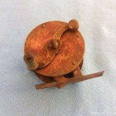 Antigüedades: ANTIGUO CARRETE DE PESCA DE BRONCE Y LATON FUNCIONAL ORIGINAL PRINCIPIOS SIGLO XX. Lote 116633295