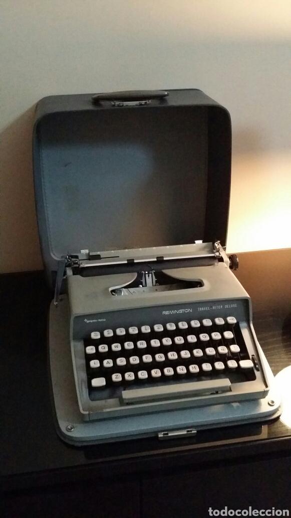 MÁQUINA DE ESCRIBIR REMINGTON TRAVEL RITER DELUXE (Antigüedades - Técnicas - Máquinas de Escribir Antiguas - Remington)