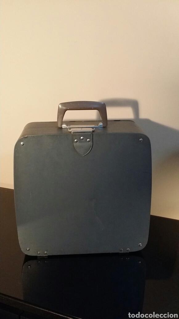 Antigüedades: Máquina de escribir Remington travel riter deluxe - Foto 2 - 116768112