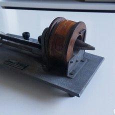 Antigüedades: EQUIPO CAMPO MAGNETICO. REGULABLE Y CONCENTRADO. SIGLO XIX. Lote 116775728