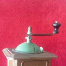 Antigüedades: ANTIGUO MOLINILLO METÁLICO DE CAFÉ ELMA. Lote 116849303