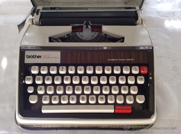 Antigüedades: BROTHER DELUXE 1350 antigua Máquina de escribir con su maleta - Foto 2 - 116865011