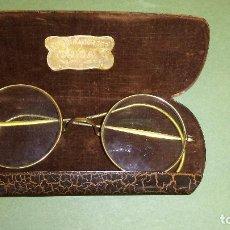 Antigüedades: BONITOS BINOCULARES CHAPADOS EN ORO GRADUADAS. Lote 116870439