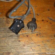 Antigüedades: ANTIGUO CABLE DE PLANCHA, BAQUELITA GOMA Y TELA. MATERIAL ELECTRICO.. Lote 116874115