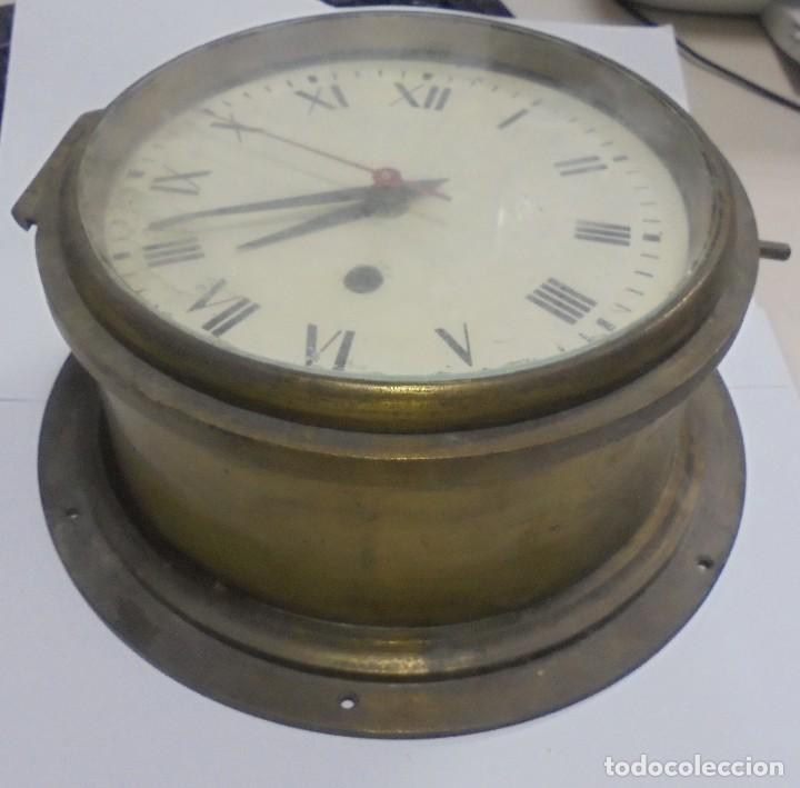 Antigüedades: ANTIGUO RELOJ DE BARCO. 17 CM DIAMETRO. FALTA LLAVE. VER FOTOS - Foto 2 - 117005951