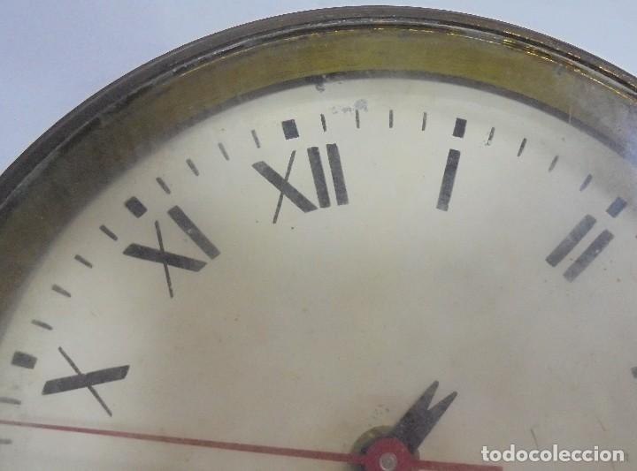 Antigüedades: ANTIGUO RELOJ DE BARCO. 17 CM DIAMETRO. FALTA LLAVE. VER FOTOS - Foto 10 - 117005951
