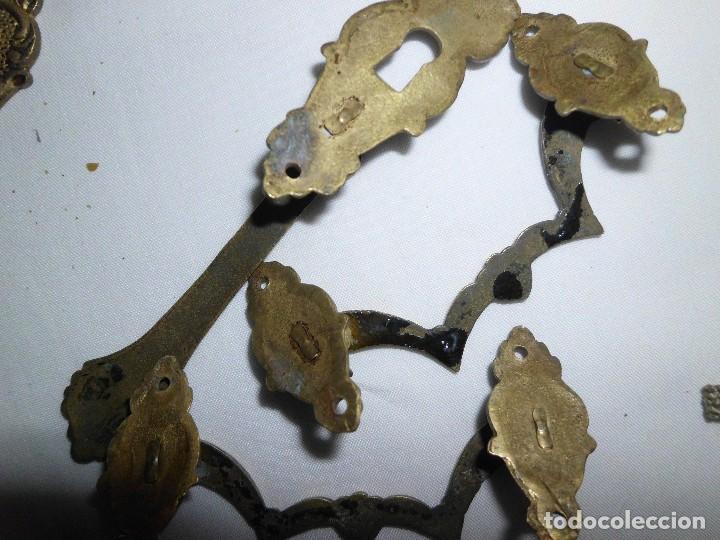 Antigüedades: Lote de 9 tiradores de bronce - Foto 10 - 117154539