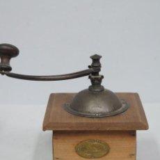 Antigüedades: MOLINILLO PEUGEOT. Lote 117158203