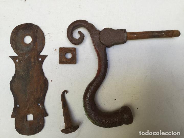 Antigüedades: LLAMADOR PICAPORTE HIERRO PORTÓN ANTIGUO FORJA ANTIGUA. ALDABON - Foto 7 - 117522683