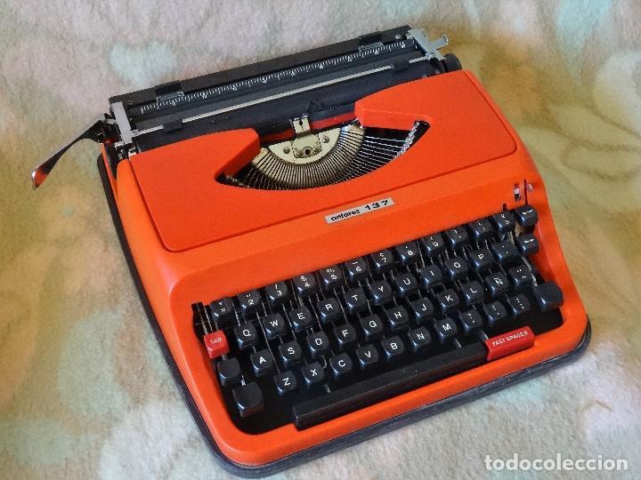 MAQUINA DE ESCRIBIR ROJA MARCA ANTARES MODELO 137 EXCELENTE (Antigüedades - Técnicas - Máquinas de Escribir Antiguas - Otras)