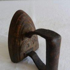 Antigüedades: PLANCHA DE HIERRO ANTIGUA.. Lote 117616395
