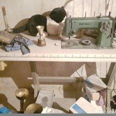 Antigüedades: MAQUINA DE COSER REFREY EN PERFECTO ESTADO FUNCIONA CORETAMENTE . Lote 117650007