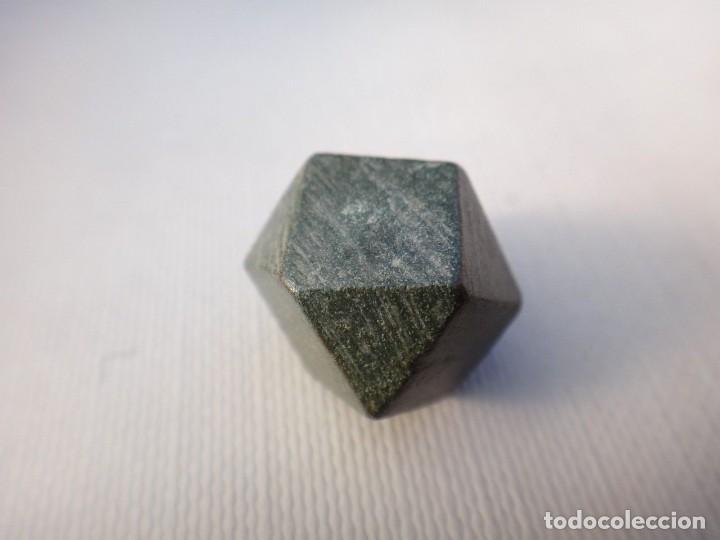 Antigüedades: ponderal poligonal de bronce - Foto 3 - 117650379