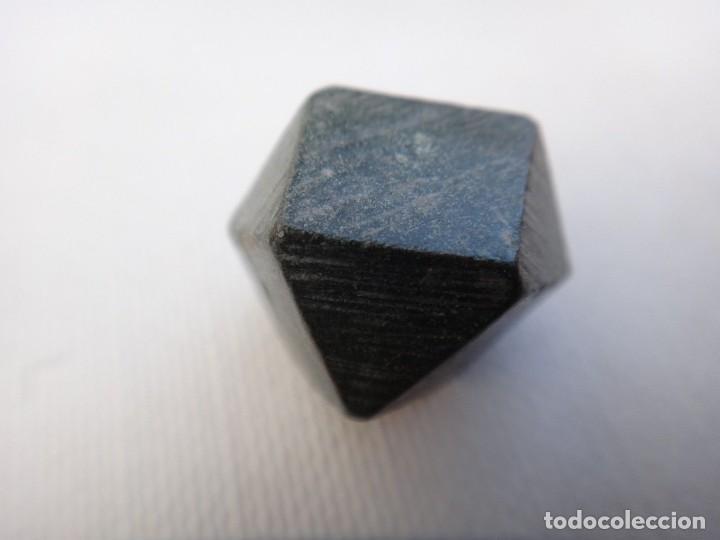 Antigüedades: ponderal poligonal de bronce - Foto 4 - 117650379