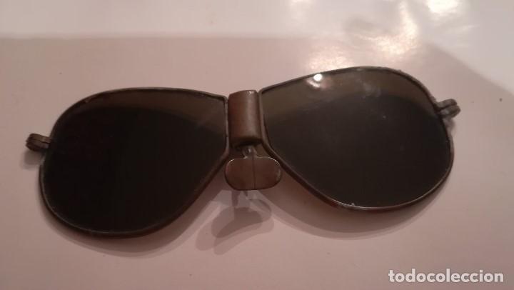 GAFA DE SOL CON MONTURA DE METAL (Antigüedades - Técnicas - Instrumentos Ópticos - Gafas Antiguas)