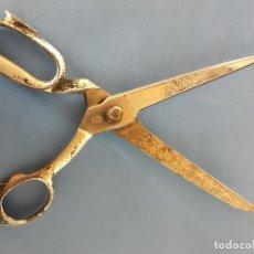 Antigüedades: TIJERAS DE SASTRE (COSTURA) MARCA TRES CLAVELES. Lote 117885923