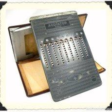 Antigüedades: ANTIGUA CALCULADORA MANUAL ADDIATOR RAPID. Lote 118010115