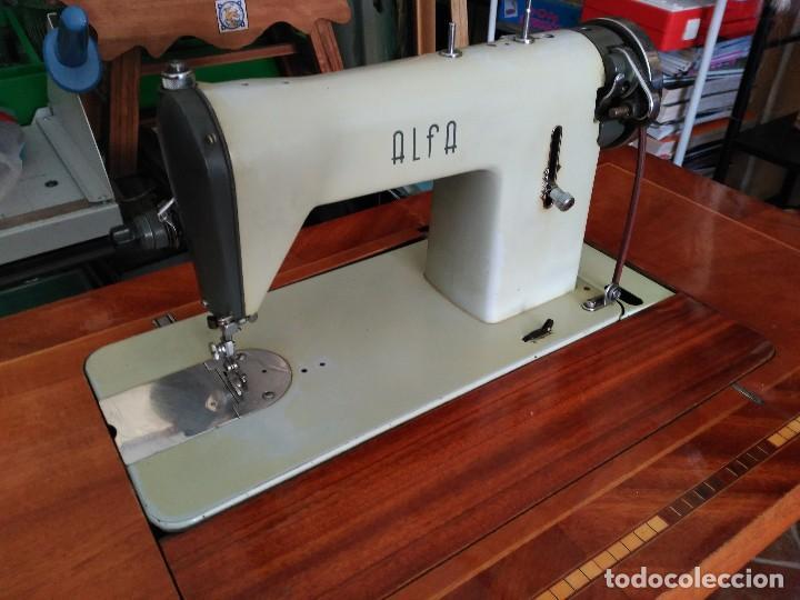 Antigüedades: Maquina de coser Alfa del 63 (funcionando) - Foto 3 - 118067783