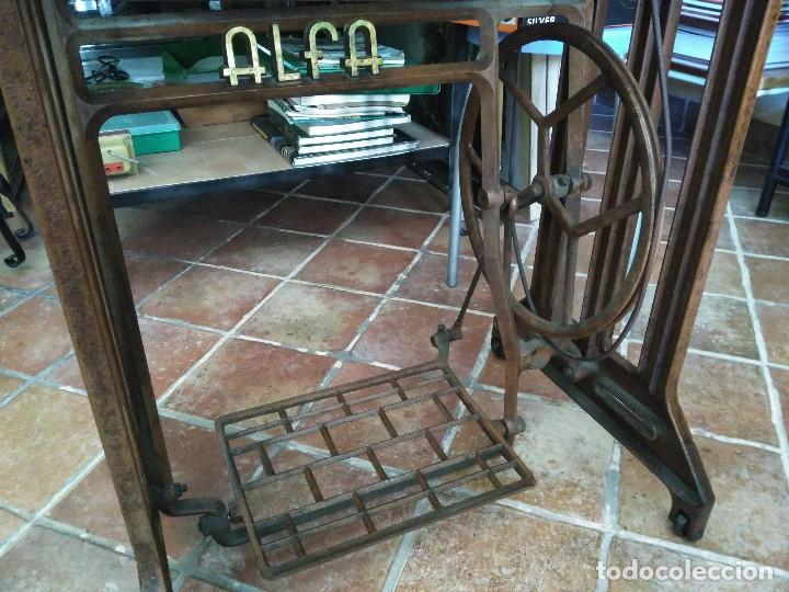 Antigüedades: Maquina de coser Alfa del 63 (funcionando) - Foto 4 - 118067783