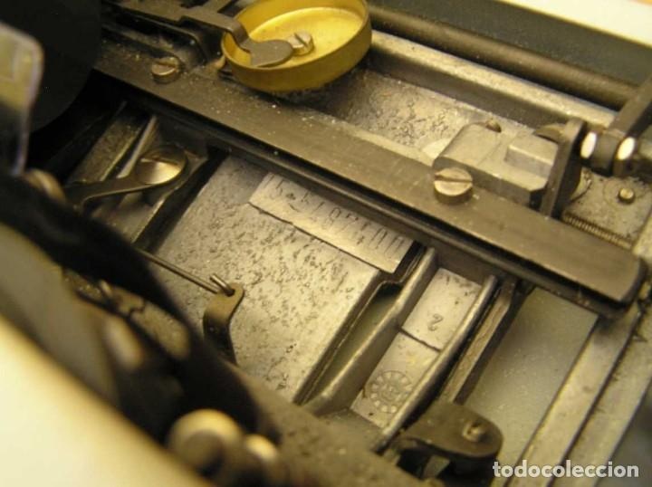 Antigüedades: MAQUINA DE ESCRIBIR OLYMPIA TRAVELLER DE LUXE CON SU MALETIN TYPEWRITER. - Foto 53 - 118228207
