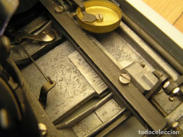 Antigüedades: MAQUINA DE ESCRIBIR OLYMPIA TRAVELLER DE LUXE CON SU MALETIN TYPEWRITER. - Foto 54 - 118228207