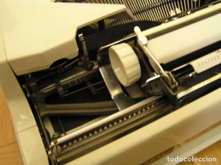 Antigüedades: MAQUINA DE ESCRIBIR HERMES BABY CON SU MALETIN TYPEWRITER - Foto 38 - 118229555