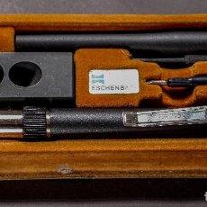 Antigüedades: ESPLENDIDO MICROSCOPIO MONOCULAR ESCHENBACK, DE 40X, 50X I 60X. CAJA ORIGINAL CON ACCESORIOS. Lote 118277067