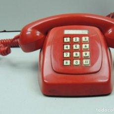 Teléfonos: ANTIGUO TELÉFONO ROJO CON BOTONES VINTAGE BUEN ESTADO EXCELENTE PIEZA DE DECORACIÓN. Lote 118504195